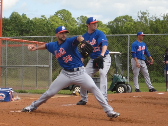 Dillon Gee and Matt Harvey throwing in tandem.